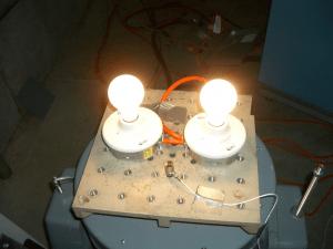 Setup for vibration testing of light bulbs with kurtosis.