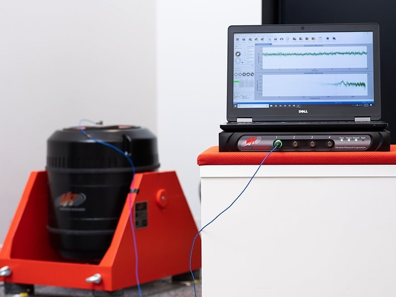 VR9500 with Shaker and Laptop running VibrationVIEW